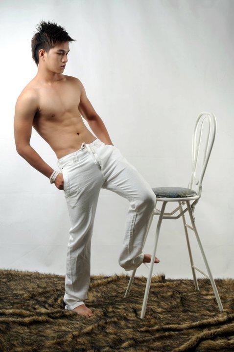 pre_1341900039__phillip-huynh-hotboy-5